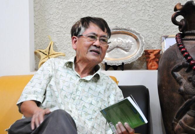 Veteran author dies at 77