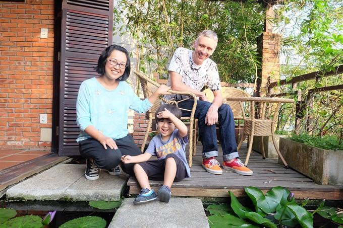 Healer keeps Hội An clean her own way