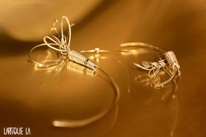 Lartique to present wire art jewellery