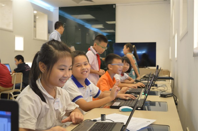 Students of Đoàn Thị Điểm Primary School win programming prizes
