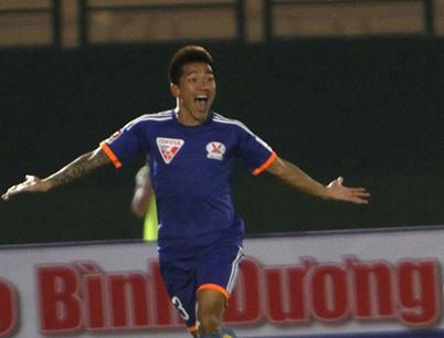 Striker Hải quits football after long-term injury