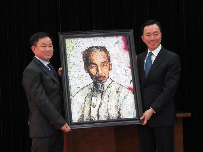 Uncle Hồ artwork finds home at museum