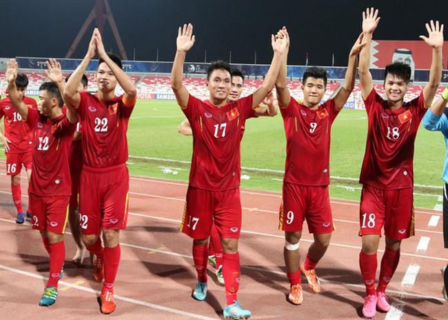 U19 return to heros welcome