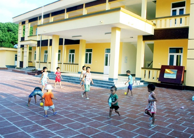 Island schools look for mainland financial resources