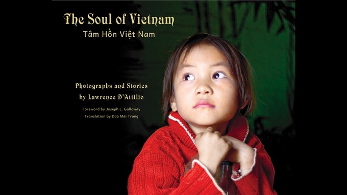 Art Vietnam offers poetry photography showcases