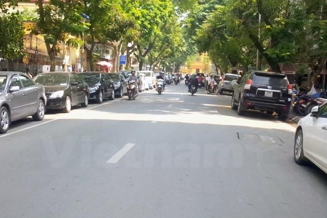 Hà Nội to pilot odd even car parking plan
