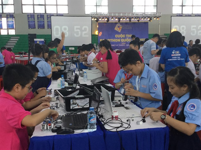 Students win 11 prizes in Robothon Contest