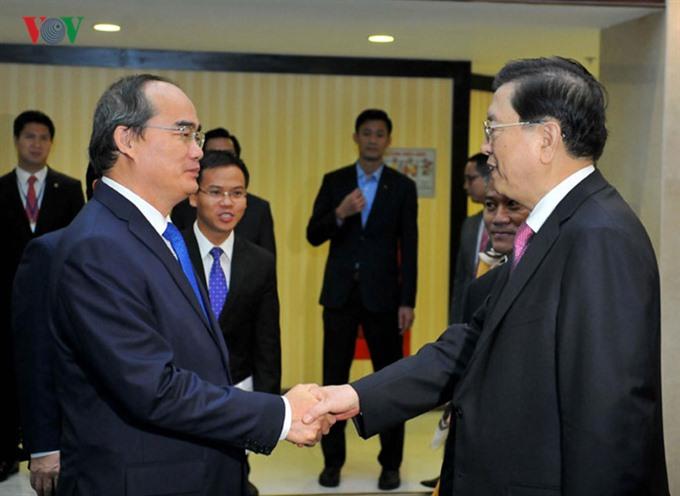 Việt Nam China discuss trade and tourism potential