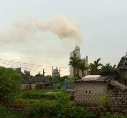 Hạ Long cement factory causing pollution