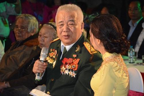 Under a banyan Hưng Yên recalls its martyrs