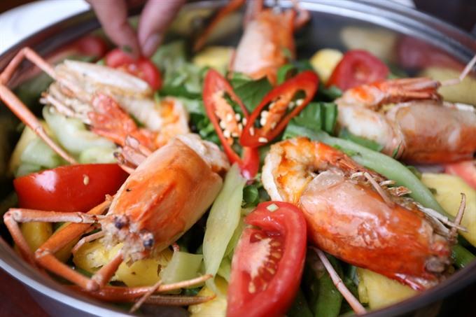 Shrimp hotpot: not too sweet not too sour