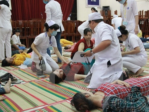 120 workers stricken with food poisoning