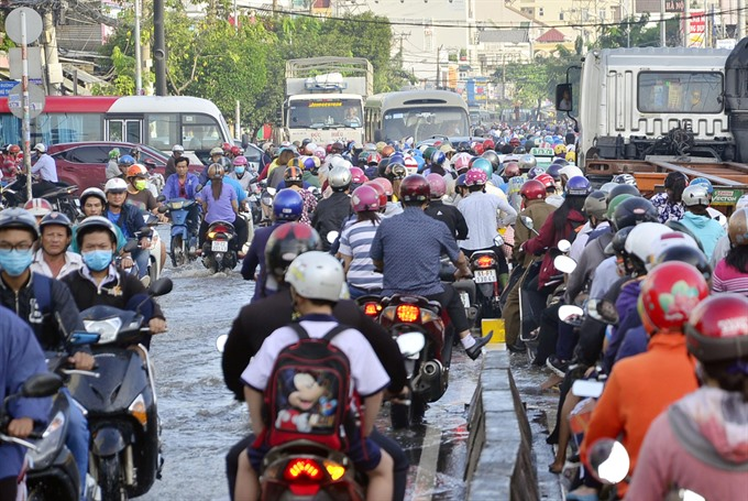 City tries to unclog streets in run-up to Tết
