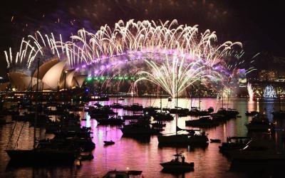 Australia kicks off global New Year party defying terror threat
