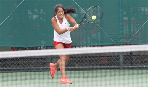 Two Vietnamese players advance at U14 tennis event