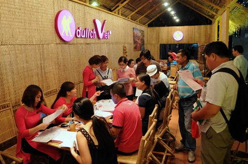 Cheap tour sell out at HCMC travel fair