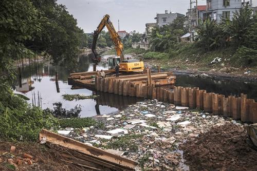 Hà Nội tackles sewage in Nhuệ River