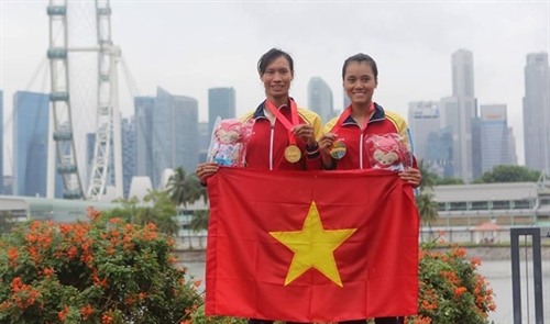 Rowers Thảo Huyền qualify for Brazil Olympics