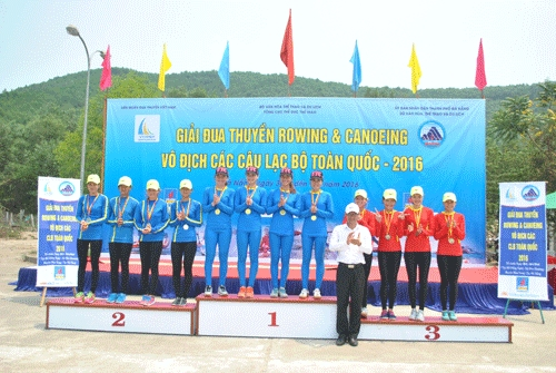 Hà Nội win 11 gold 4 bronze medals at natl rowing event