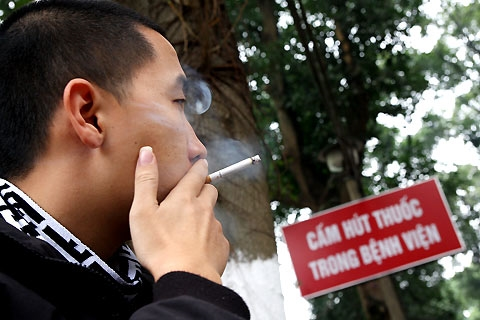 Exposure to secondhand smoke drops in Việt Nam: new report