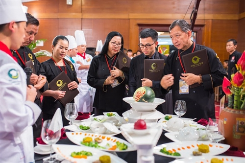 Chef of the Century joins 2016 Golden Spoon cooking contest