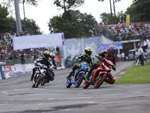 Vũ wins national motor racing championships