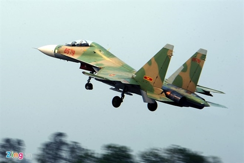 Vietnamese military aircraft goes missing during training