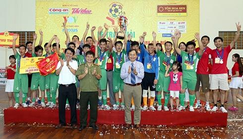 Phú Thọ wins futsal tournament for disadvantaged children