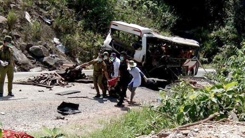 Nine Vietnamese die in bus accident near Laos