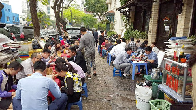 Officials to be disciplined if sidewalks are encroached upon again