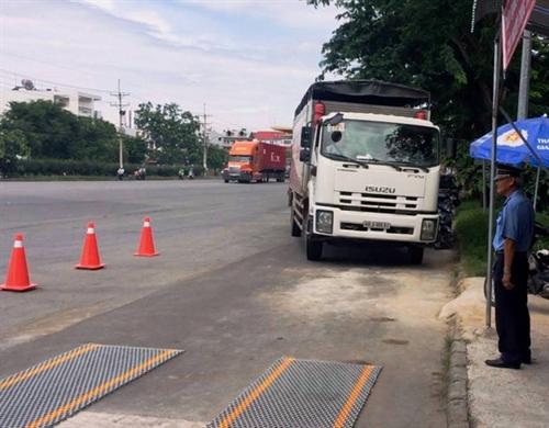 City to keep overloaded vehicles off 3 bridges