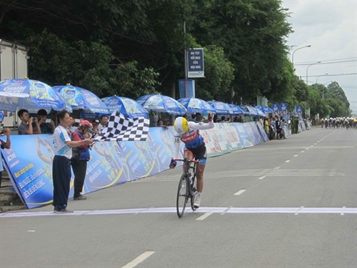 An wins stage Thật keeps yellow jersey