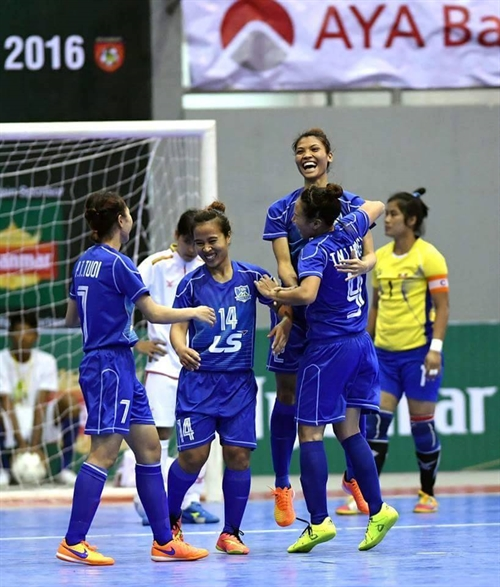 Thái Sơn Nam District 8 in 2nd win at futsal champs