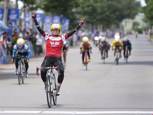 Liên wins fourth stage