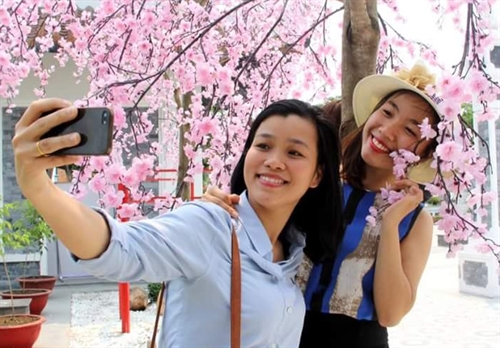 City issues code of conduct for Chinese tourists