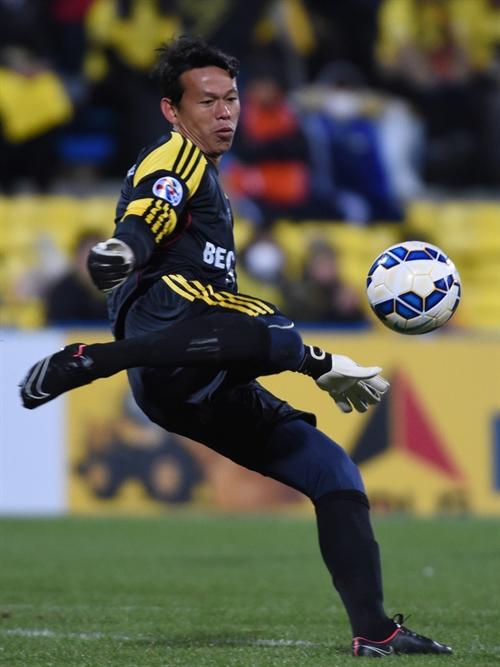 Bình Dương play Quảng Ninh sans top goalkeeper