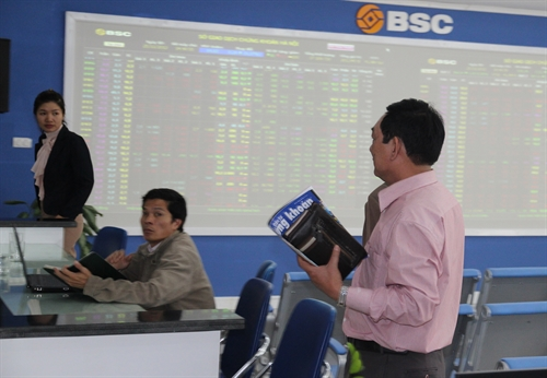VN stocks rebound from six-day fall