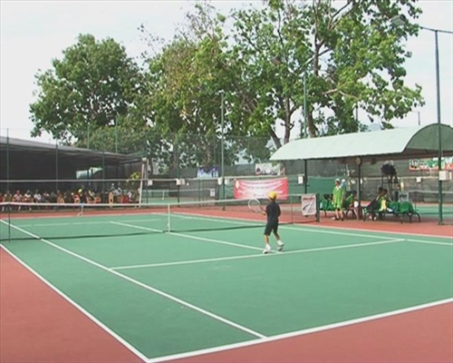 National tennis tournament for teenagers kicks off
