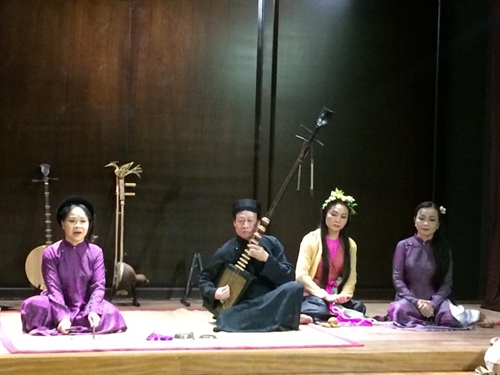 Vietnamese traditional music and culture show