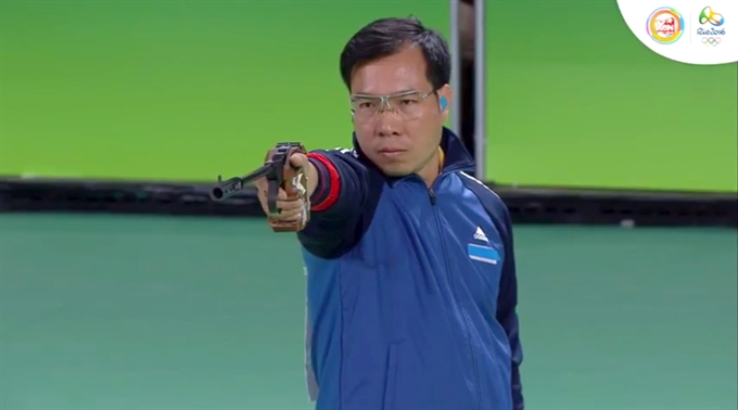 Vinh grabs silver at mens 50m pistol