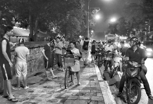 Habits of Pokémon Go users in Hà Nội generates anxiety