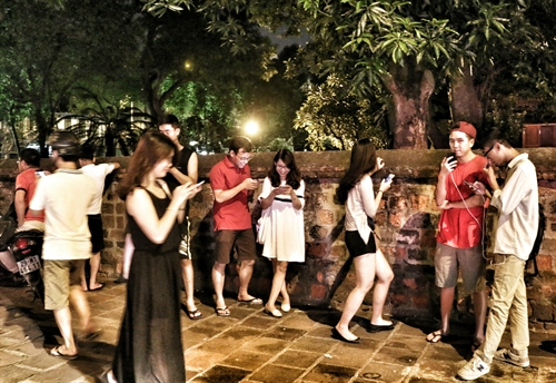 Pokemon game threatens Việt Nam: MIC