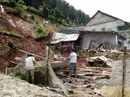 Floods kill two miners in Lào Cai