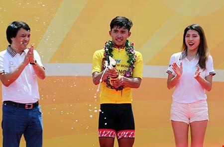 Nhân wins first stage of Cycling Cup