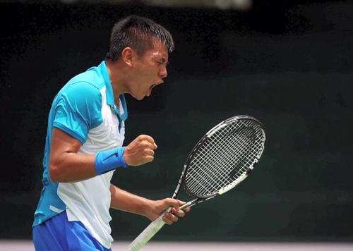 Bình and Nam sweep national tennis titles
