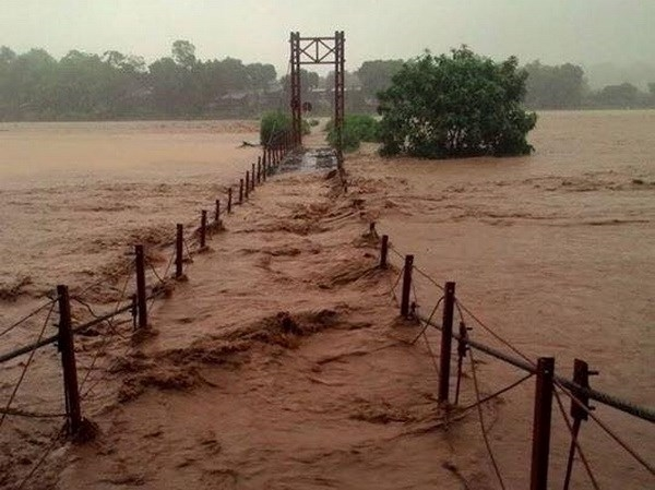 10 people swept away in Lào Cai flood