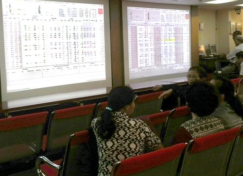 VN shares slump on ETFs trading