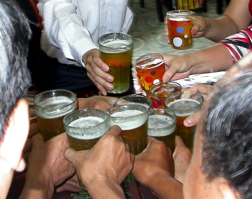 Việt Nam joins alcohol consumption global top ten list