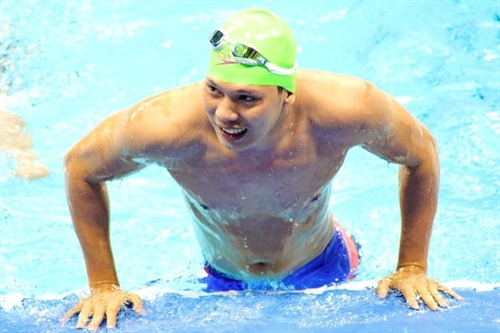 Tùng finishes fifth in 100m freestyle at Paralympics