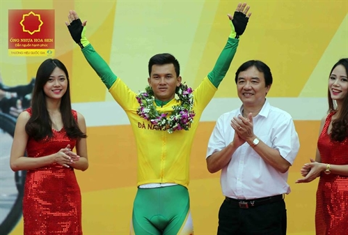 Duẩn wins green jersey in final stage Trung triumphs the cycling race